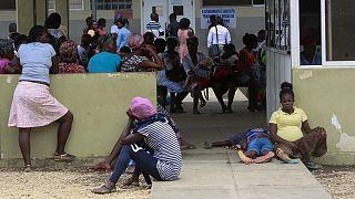 Entrada de um hospital de Luanda, Angola