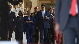 آمریکا برای دستگیری رئیسجمهوری ونزوئلا و برخی از مقامات این کشور ۱۵ میلیون دلار جایزه تعیین کرد