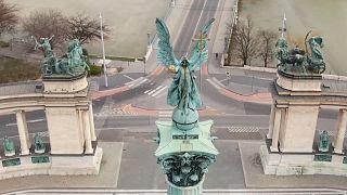 Imágenes capturadas por drones muestran las calles del mundo vacías por el coronavirus