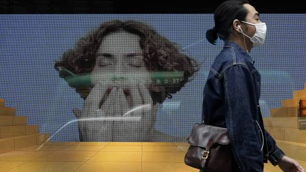 فيروس كورونا: لماذا تجبر بعض الدول سكانها على ارتداء الأقنعة الواقية واخرى تجدها غير ضرورية؟