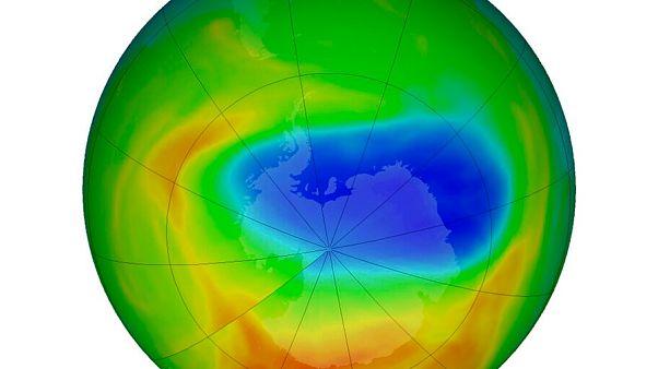 Yeni bir bilimsel araştırmaya göre Antarktika üzerindeki Ozon tabakası kalınlaşıyor