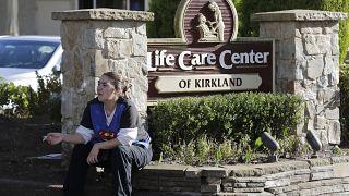 وباء كورونا في الولايات المتحدة الأمريكية، مركز العناية الطبية في كيركلاند بولاية واشنطن 29/02/2020