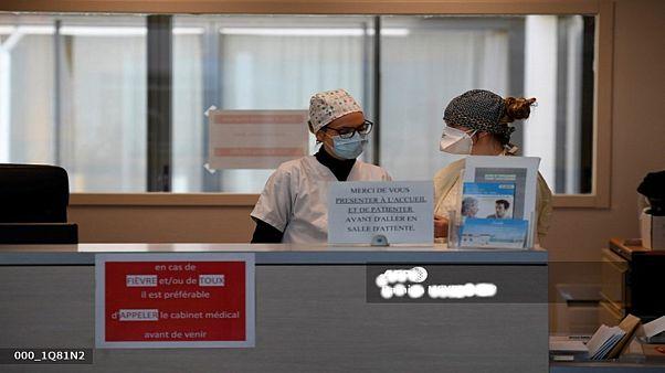 الحكومة الفرنسية تعد بإجراء مليوني اختبار بفيروس كورونا الشهر المقبل
