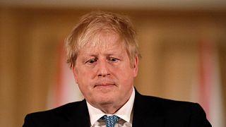 Primeiro-ministro confirmou infeção numa mensagem pelas redes sociais