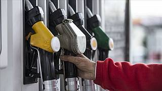 Dünyada petrol varil fiyatları düşerken Türkiye'de benzine 13 kuruşluk yeni zam