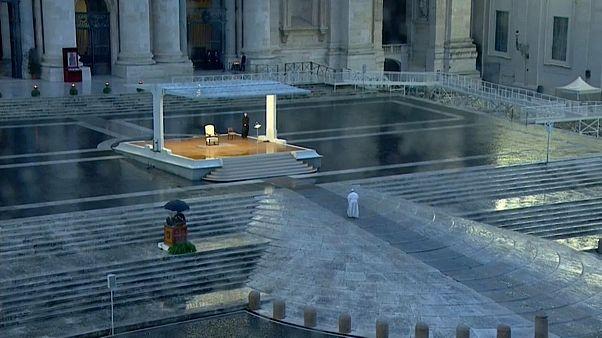 Ferenc pápa magányos fohásza a világért