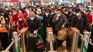 الحياة اليومية في ووهان تعود بشكل جزئي بعد شهرين على الأقل من الإغلاق الشامل بسبب فيروس كورونا. 28/03/2020