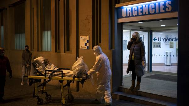 İspanya'da Covid-19'dan hayatını kaybedenlerin sayısı rekor artışla 5 bin 690'a çıktı
