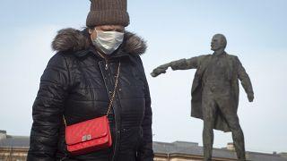 Viele sind in die Datscha - Putin und Erdogan verschärfen Kampf gegen Covid-19