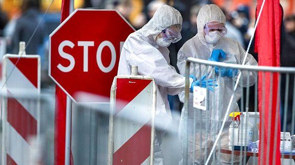 Συνεχίζοναι οι απολυμάνσεις σε δημόσιους χώρους σε ολόκληρη την Ευρώπη