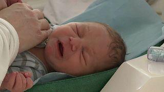 Alleine für die Geburt: Coronavirus im Kreißsaal