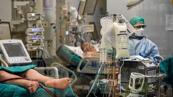 """Hospitais em Itália estão a necessitar de """"cuidados intensivos"""""""