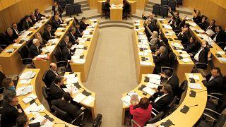 Κύπρος: Στη Βουλή σήμερα τα νομοσχέδια για τα μέτρα στήριξης της οικονομίας