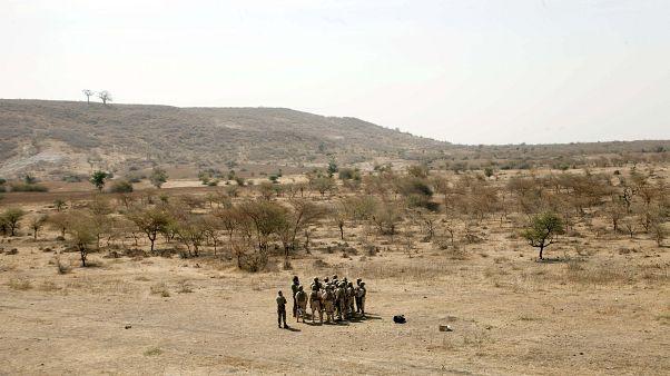 Archive - Des soldats burkinabés s'entraînent avec des membres des forces spéciales néerlandaises à Thies au Sénégal, le 27 février 2020