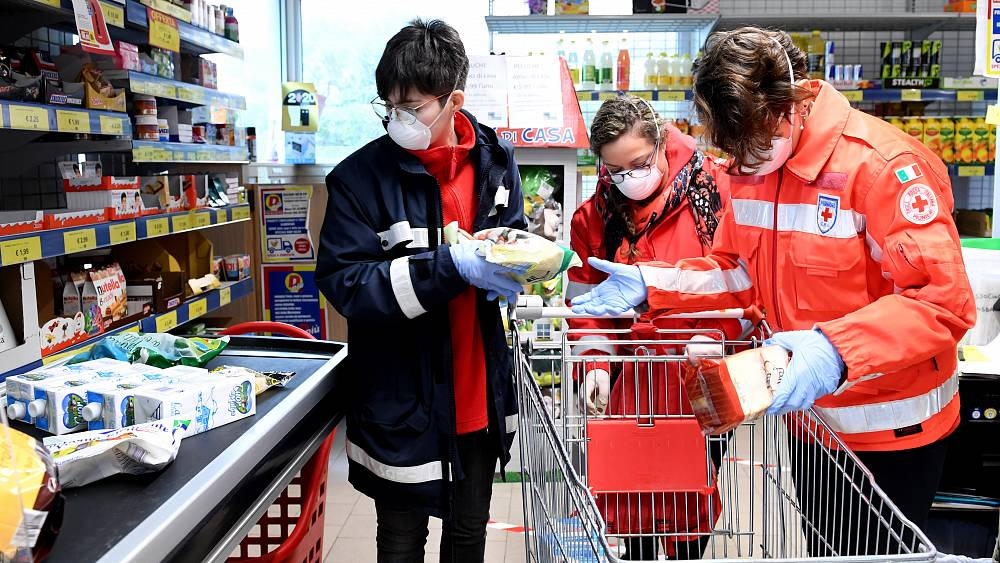 Covid-19 voluntarios: las personas que ayudan a otros a superar la crisis 17
