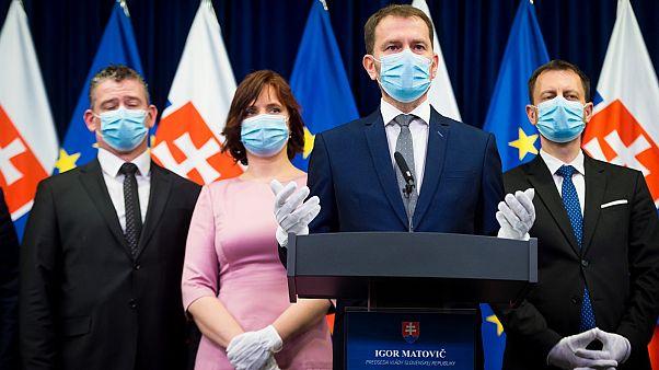 Igor Matovič, szlovák kormányfő beiktatás utáni sajtóértekezletén