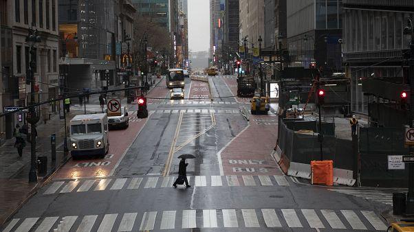 New York'ta mağazalar yağmalamaya karşı önlem alıyor