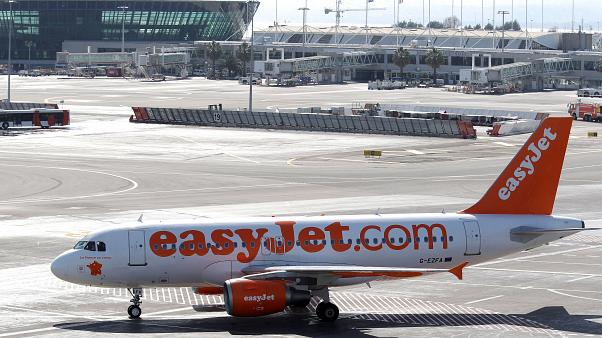"""شركة طيران """"إيزي جيت"""" البريطانية توقف جميع رحلاتها بسبب فيروس كورونا"""
