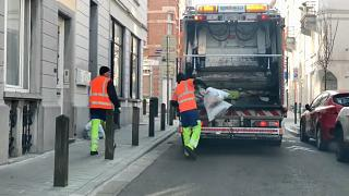 'People are scared': Rubbish collectors continue in Brussels despite contamination fears