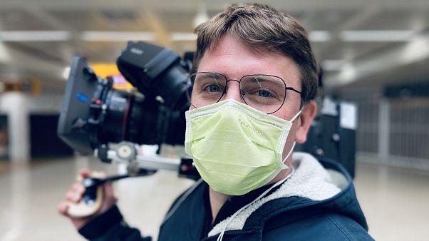 A svéd közszolgálati tévének dolgozó belga operatőr, Filip Huygens