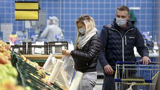 الغريتشكا والواقيات الذكرية أكثر المنتجات مبيعا في روسيا لمواجهة كورونا