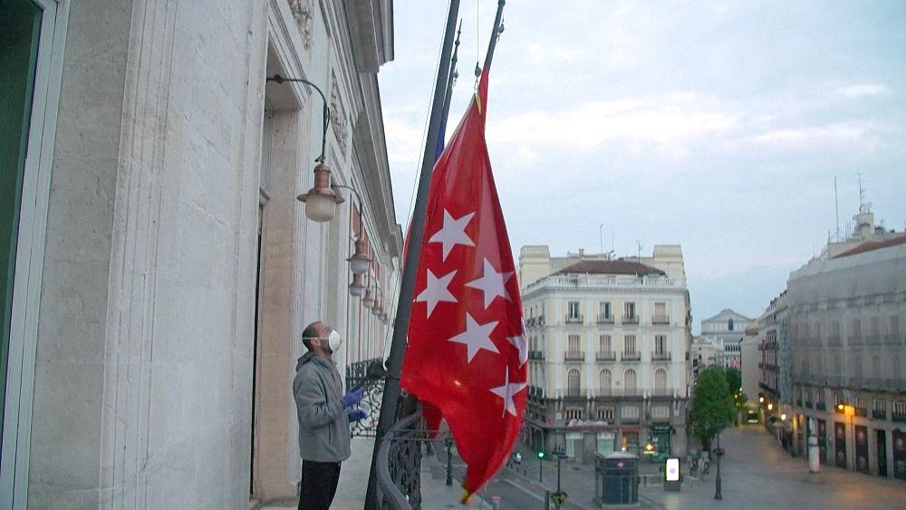 Minuto de silencio en Madrid para víctimas de COVID-19 19