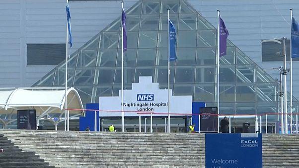 Átmeneti kórházakat rendeznek be Londonban és más brit nagyvárosokban