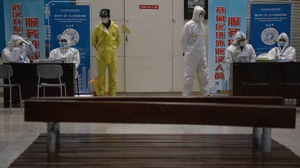 Çin'in Vuhan şehrinde Covid-19'dan ölenlerin sayısının yarı yarıya az gösterildiği iddia edildi
