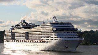 سفينة سياحية  تبحث عن ميناء يستقبلها بعد أن وصل فيروس كورونا لركابها