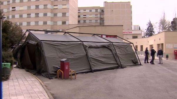 Sanidad estudia trasladar pacientes a otras comunidades ante el colapso de las UCI