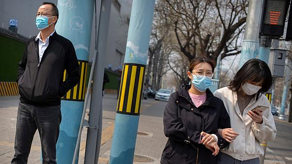 دراسة تكشف ارتفاع مخاطر فيروس كورونا على أصحاب الأعمار المتوسطة