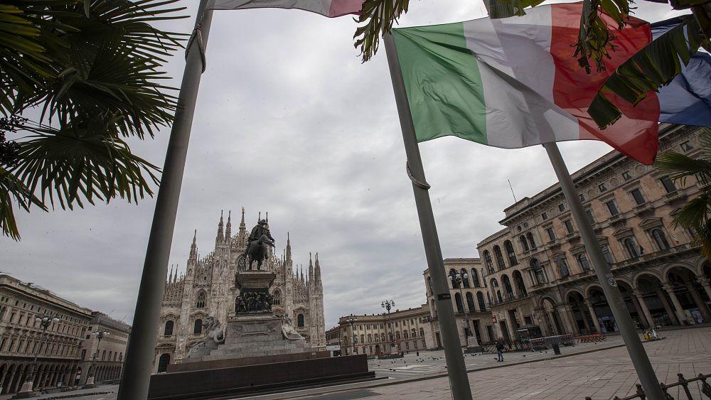 """""""Más perros que personas"""": la vida encerrada desde un banco en Milán 35"""