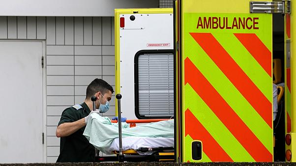 COVID-19: Νεκρός 13χρονος στο Λονδίνο