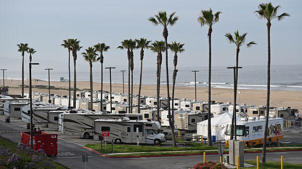 منازل نقالة مطلة على البحر في لوس أنجلس