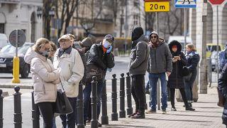 الحفاظ على المسافات الإجتماعية في وارسو