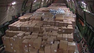 شاهد: روسيا ترسل مساعدات إنسانية إلى الولايات المتحدة لمكافحة كورونا