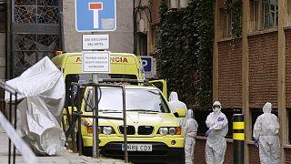 COVID-19: Νέο ρεκόρ θανάτων στην Ισπανία - 864 σε μία ημέρα - Ξεπέρασαν τις 9.000