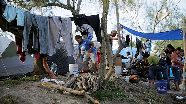 تحذّير أممي من مخاطر سرعة تفشي كوفيد-19 في مخيمات الهجرة و اللجوء