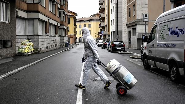 Бергамо: доставка кислорода пациентам на дому