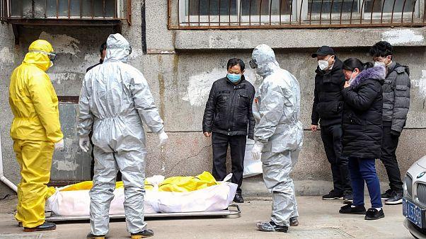 OMS alerta que pandemia da covid-19 está a acelerar