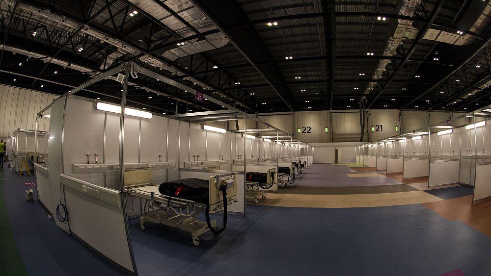 Ruiseñor del NHS: dentro del hospital COVID-19 del Reino Unido 56