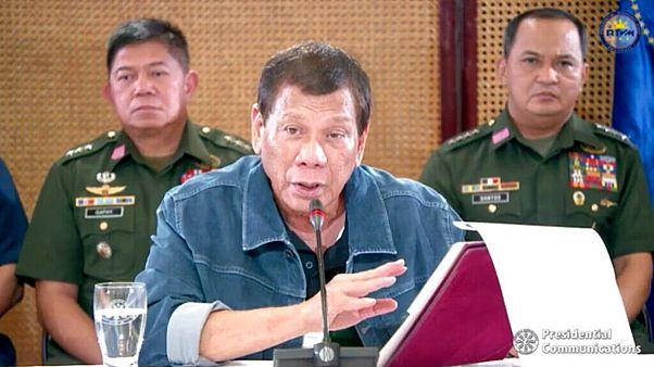 رئیس جمهوری فیلیپین به ناقضان قرنطینه: خودم خاکتان میکنم