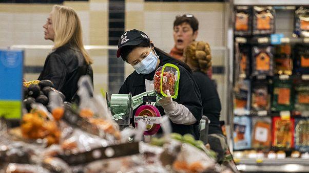 کرونا قیمت مواد غذایی را کاهش داد؛ بهای قند ۱۹ و روغن ۱۲ درصد پایین آمد
