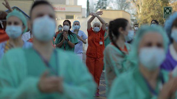 España vuelve a romper el récord de fallecidos por COVID-19 con 950 muertes en las últimas 24 horas