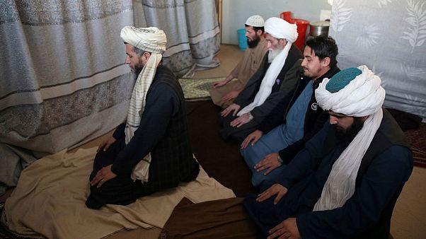 روند مبادله ۱۰۰ زندانی طالبان با ۲۰ نیروی امنیتی دولت افغانستان آغاز شد