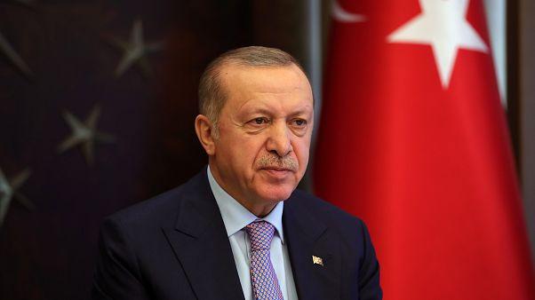 Cumhurbaşkanı Recep Tayyip Erdoğan,video konferans yöntemiyle belediye başkanları ile görüştü