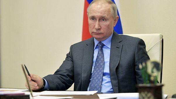Выходные в России продлеваются до конца апреля
