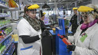 Finlandiya'da Covid-19 işsizlik maaşlarını vurdu