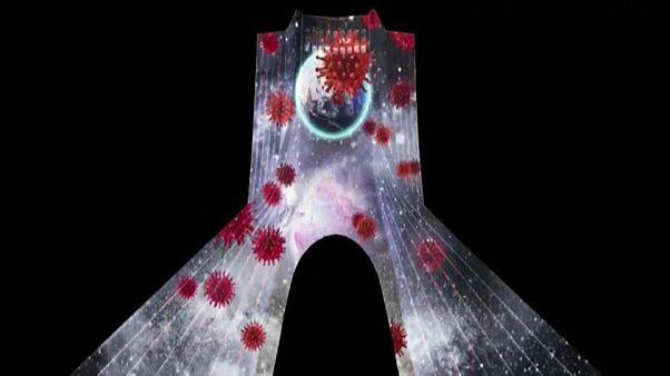 Тегеран: лазерное шоу о коронавирусе