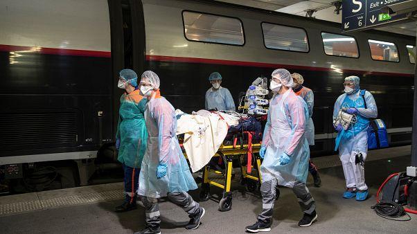 Fransa: Yaşlı bakımevlerinde ölenlerle birlikte Covid-19'dan toplam can kaybı 5 bin 387'ye ulaştı
